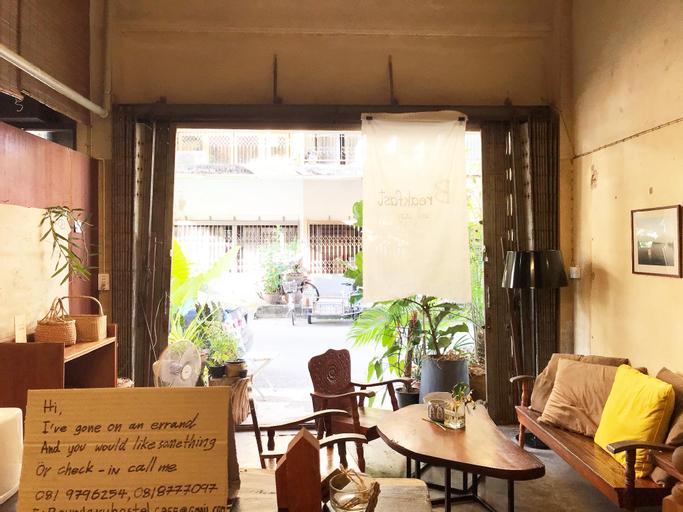 Boundary Hostel Cafe, Muang Surat Thani