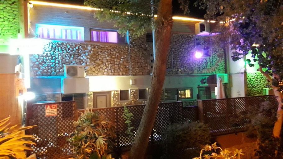 Aloni Neve Zohar Guest House Dead Sea,