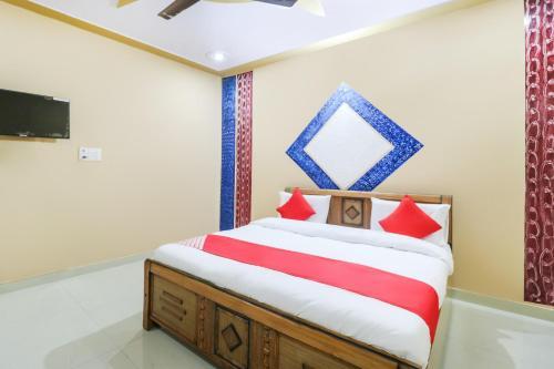 OYO 65475 Raj Hotel And Restaurant, Gautam Buddha Nagar