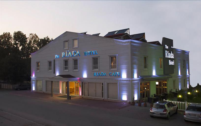 Riada Hotel, Merkez