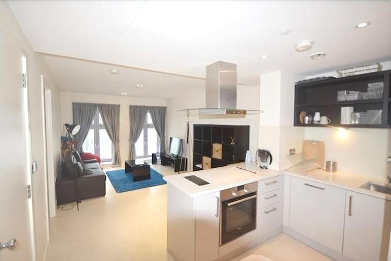 Bezier Apartments by MySquare, London