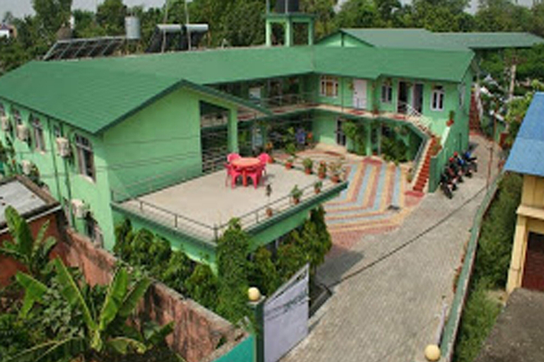 Hotel Dinesh, Seti