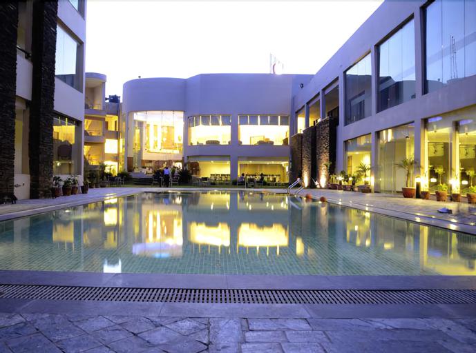 Hotel Hans Resort, Rewari
