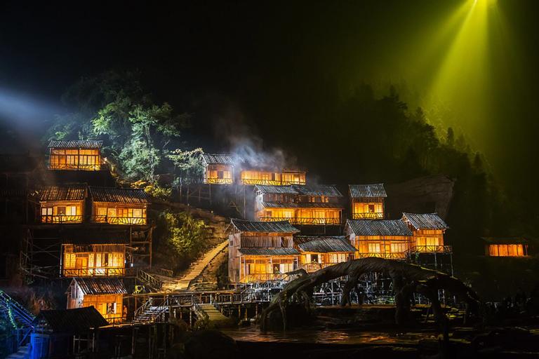 JOMO Hotel Fenghuang, Xiangxi Tujia and Miao