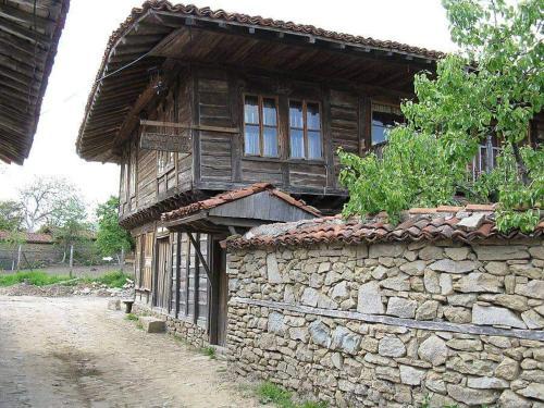 Къщата на художника, Kotel
