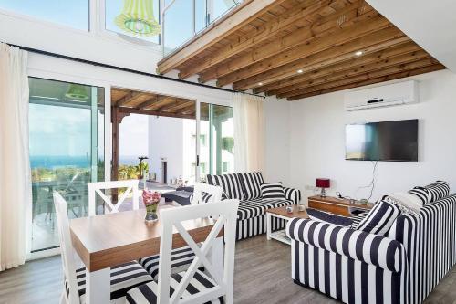 Joya Cyprus Stargazer Garden Apartment,