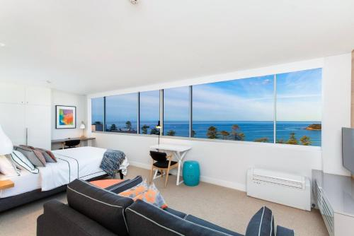 Ultrachic executive beach apartment, Manly