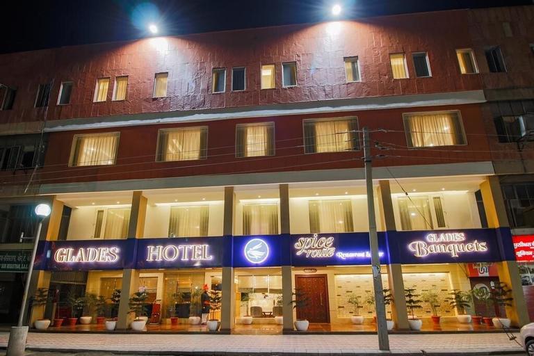 Glades Hotel, Chandigarh