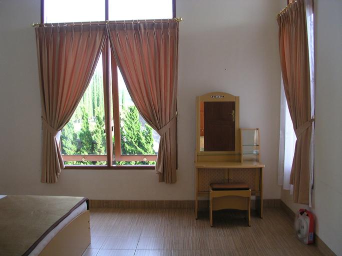 Villa Sophia Cimacan Puncak, Cianjur