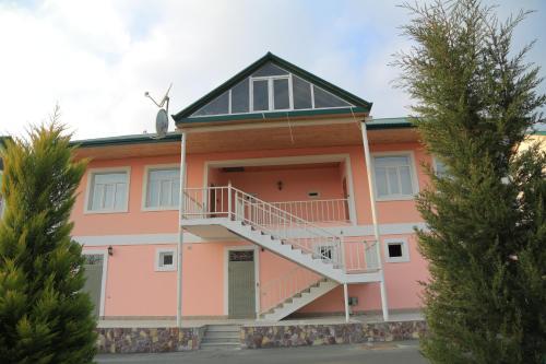 Talachay Cottage, Zaqatala