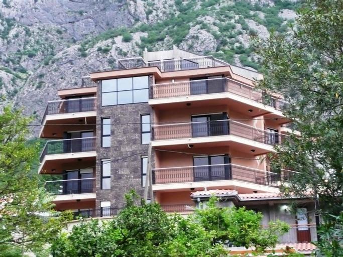 Apartments Ivardic,