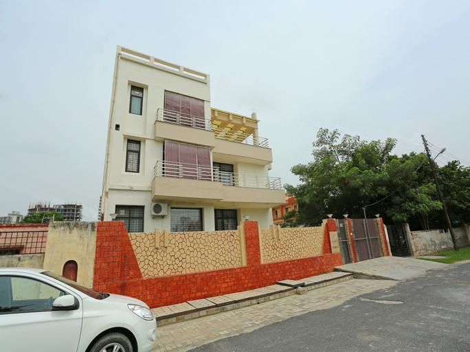 OYO 9340 Aanandam Villa, Gautam Buddha Nagar
