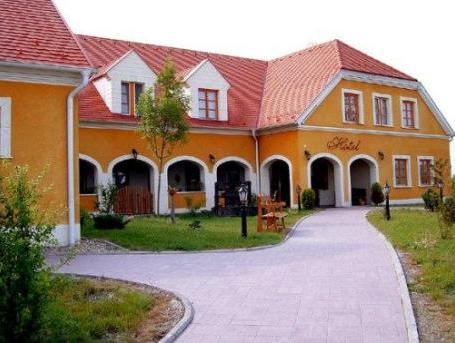 Gastland M0 Hotel & Restaurant, Ráckeve