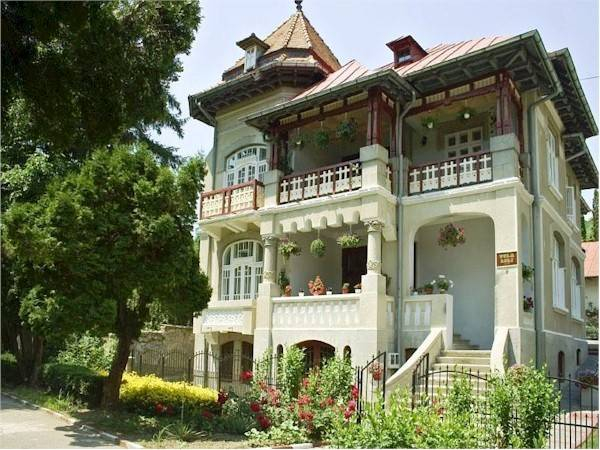 Vila Lili, Prajila