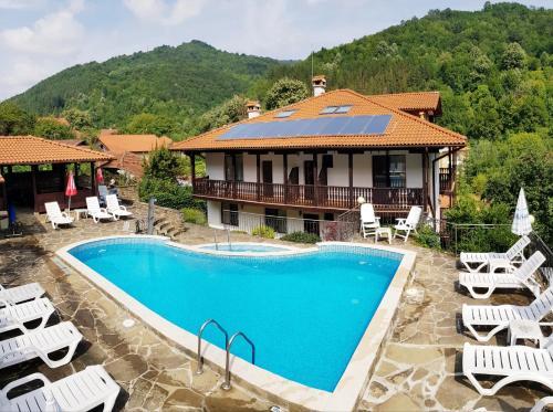 Family Hotel Chiflik Hills, Troyan