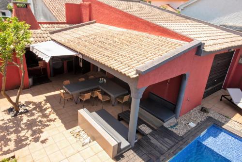 Aroeira Pool House, Almada