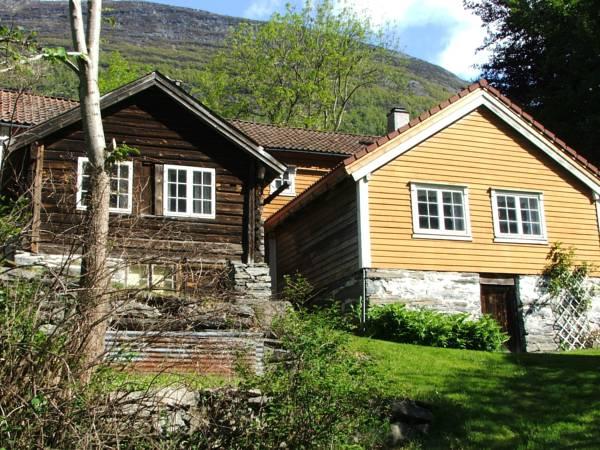 Solbakken Hytte, Stryn