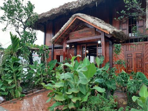 nha san muong STILT HOUSE homestay, Ninh Bình