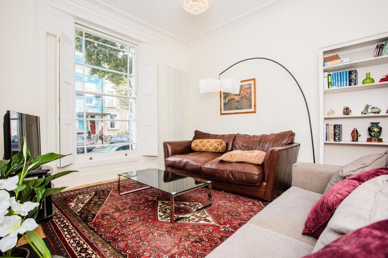 2 Bedroom Flat in Islington, Sleeps 6, London