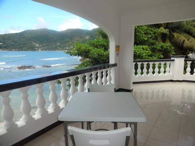 The Drake Seaside Apartment,