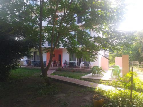 Lily Pearls Inn, Kobuleti