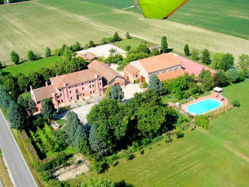 Cozy Farmhouse in Veneto with shared pool, Rovigo