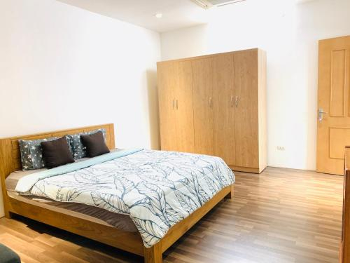 URBAN HOUSE - Luxury 5 STAR Room and Apartment, Tây Hồ