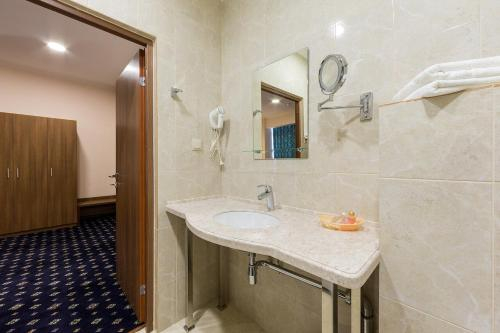 Central City Hotel Grozny, Groznyy