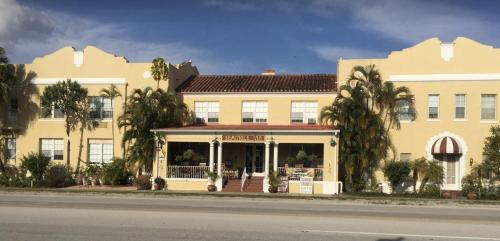 Seminole Inn, Martin
