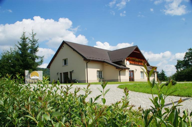 Villa la Val, Kamienna