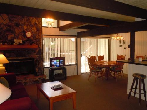 Two-Bedroom Deluxe Unit #52 by Escape For All Seasons Bus Lic #23546, San Bernardino