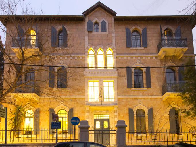 Villa Ba'moshava,