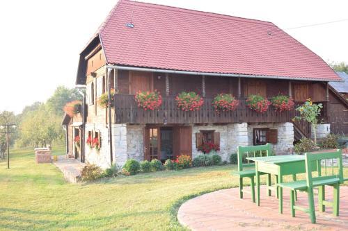 Ruralna kuca za odmor, Petrinja