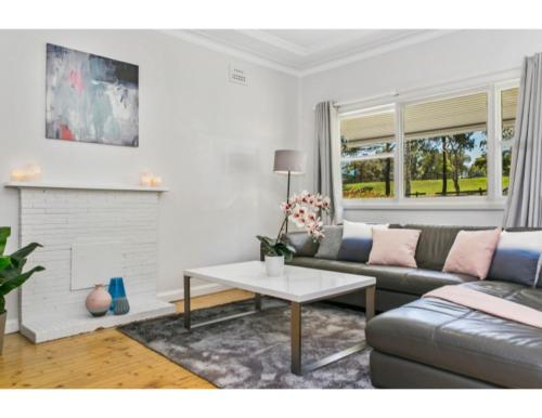 Modern Aus home on the edge of North Ryde Oval, Ryde