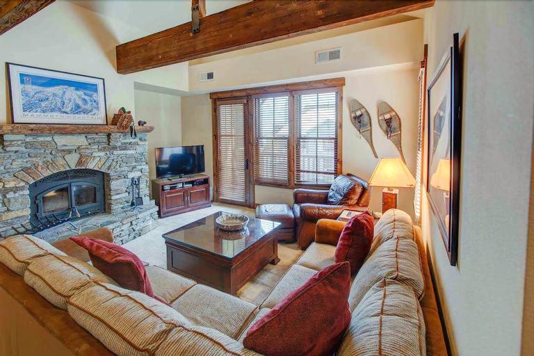 The Lodges 1114 - Two Bedroom Condo, Mono