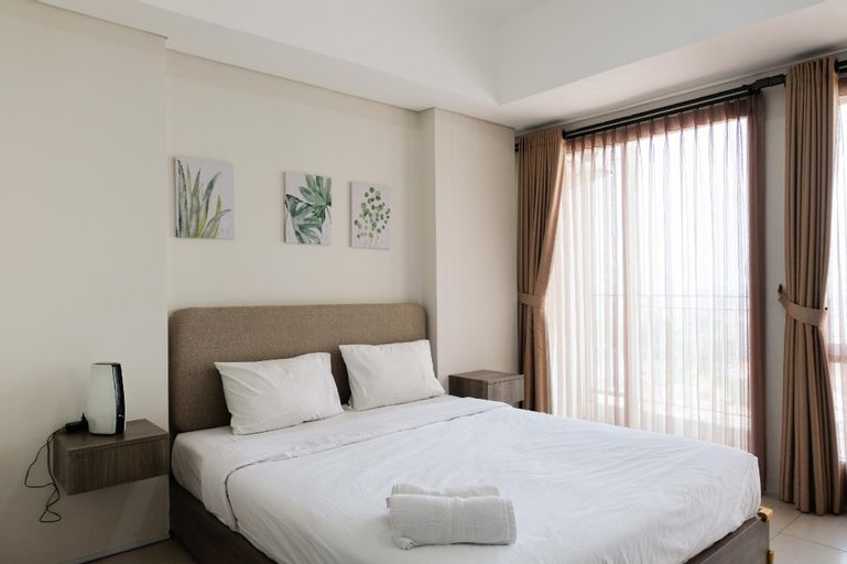 Chic and Cozy Studio Apartment at Bintaro Plaza Residence By Travelio, Tangerang Selatan