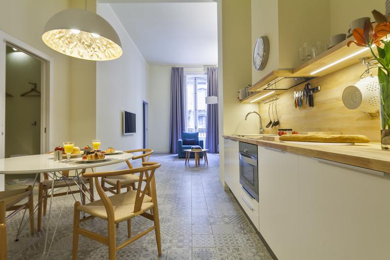 Uma Suites Pau Claris Barcelona, Barcelona