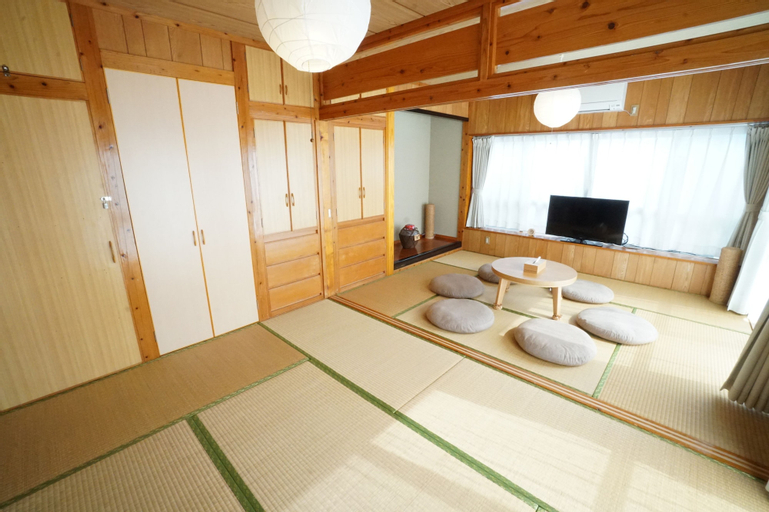 Kafuya Miyagi igusa villa, Uruma