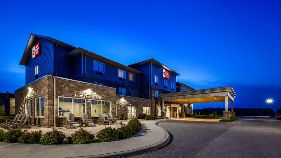 Best Western Plus Walkerton East Ridge Hotel (Pet-friendly), Bruce