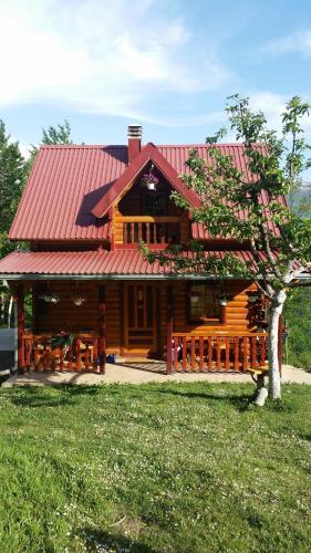 Estate Vukadinovic,