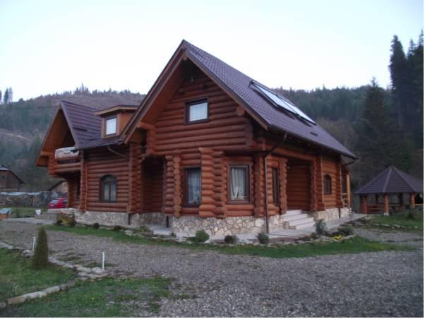Cabana Piatra Runcului, Vatra Moldovitei
