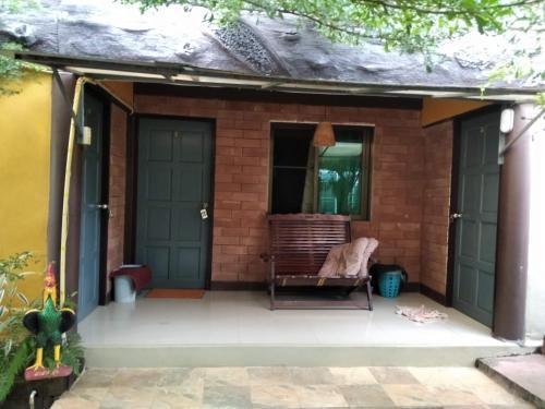 บ้านสวนสร้อยเพชร ทองผาภูมิ, Thong Pha Phum