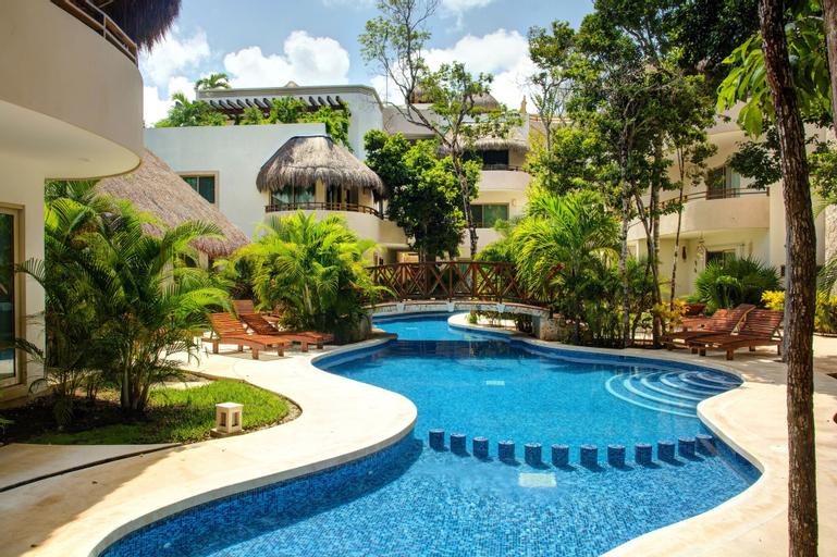 Bello Village 2 Bedroom Penthouse sleeps 5, Cozumel