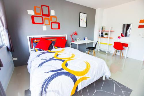 Room 9 Residence, Pluak Daeng