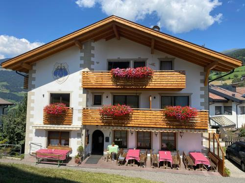 Gasthaus St. Valentin, Bolzano
