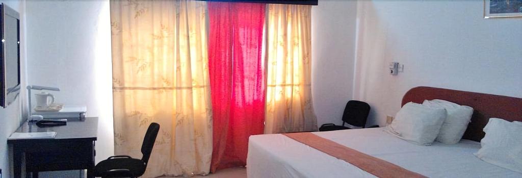 Sealane Hotel, Dangbe East