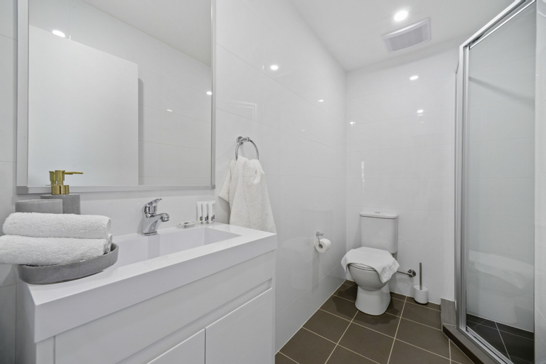 Modern and Spacious Resort-Style Home, Strathfield