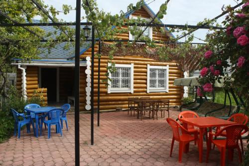 Blue Roof Holiday Home, Gagra