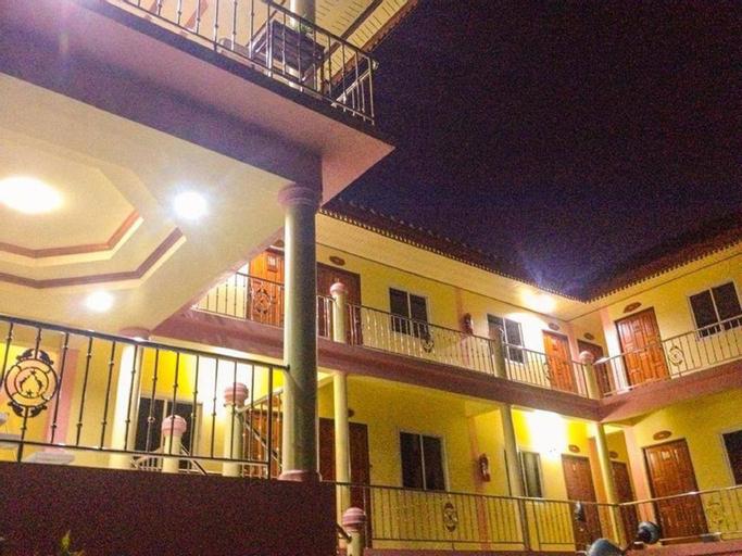 Nakorn Nan Apartment, Pua
