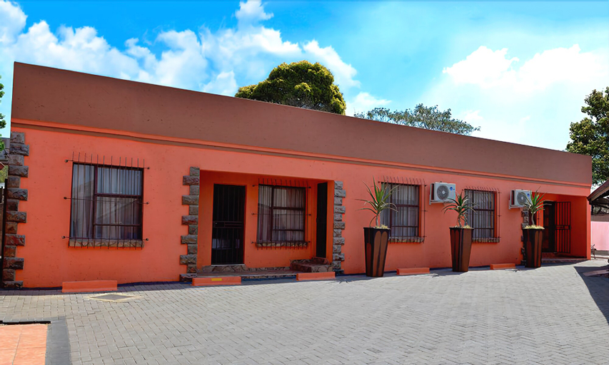 Visit Vakasha Guest Lodge 1, Nkangala
